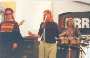 Mihirangi and Tracy Kingman. Apollo Bay Music